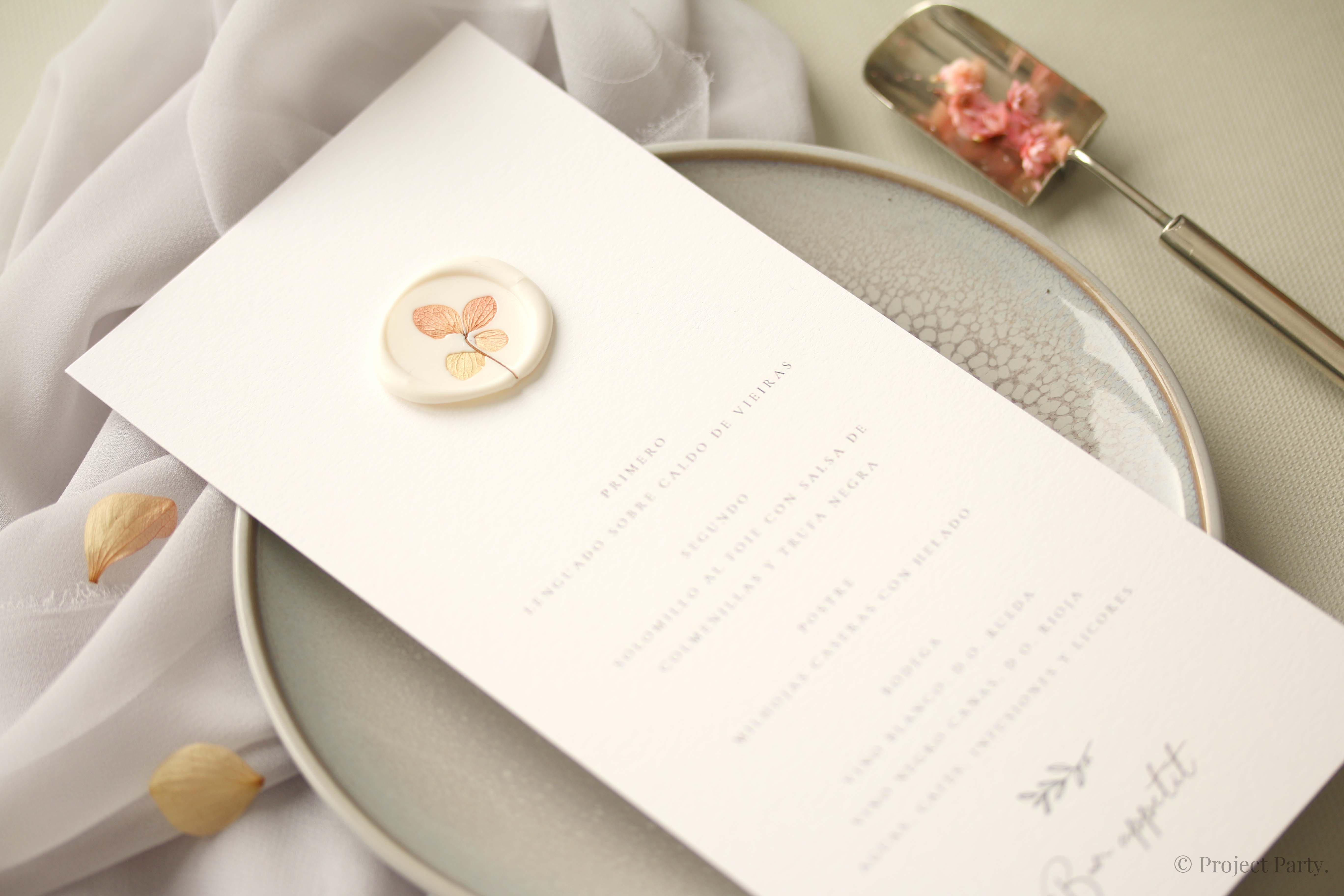 Invitaciones de boda hechas a mano - flor preservada