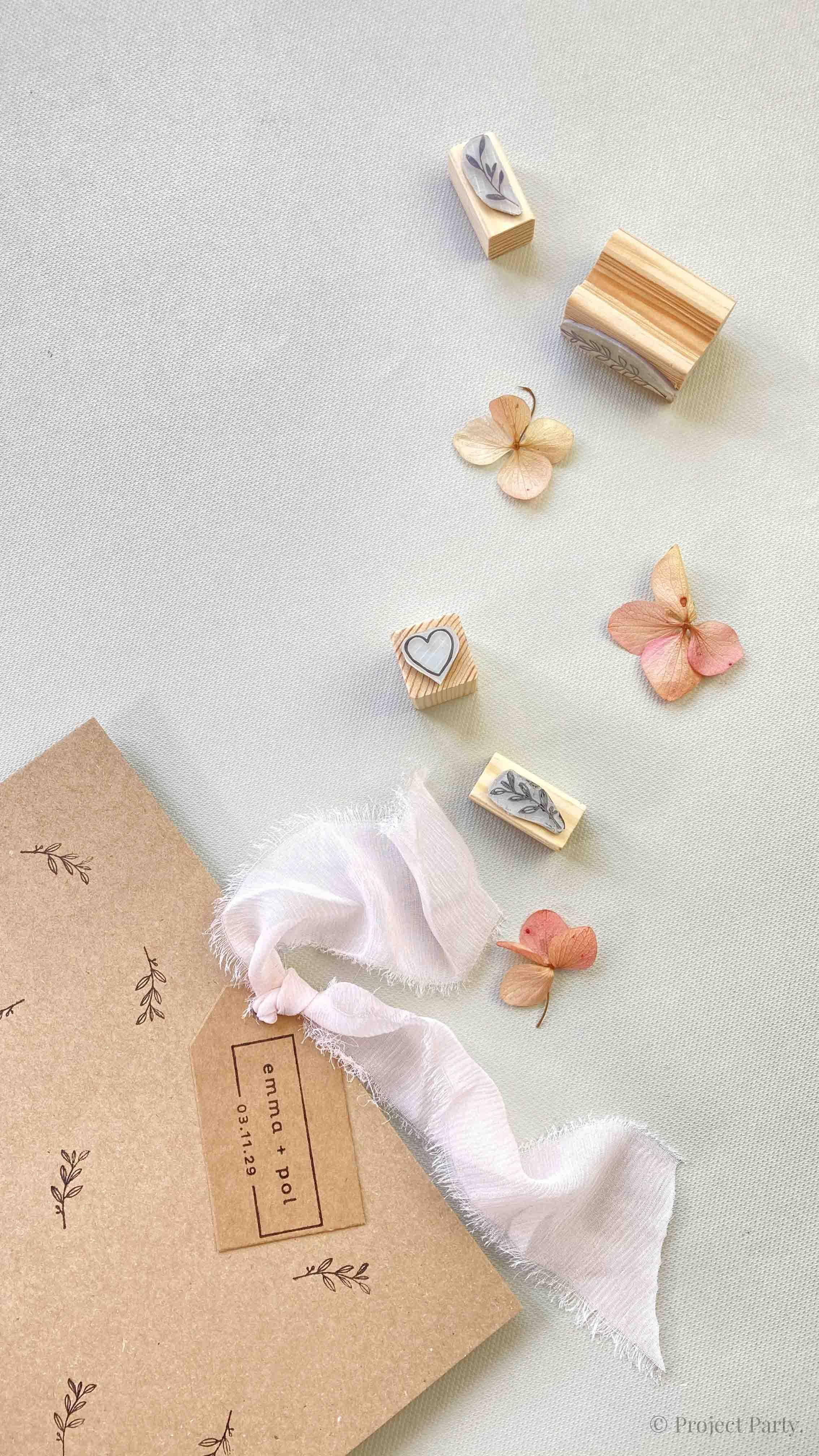 Invitaciones de boda hechas a mano - estampado con sellos